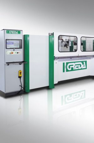 GIOTTO is a 4 interpolated axes NC-machining center engineered to process solid wood and / or plastic materials