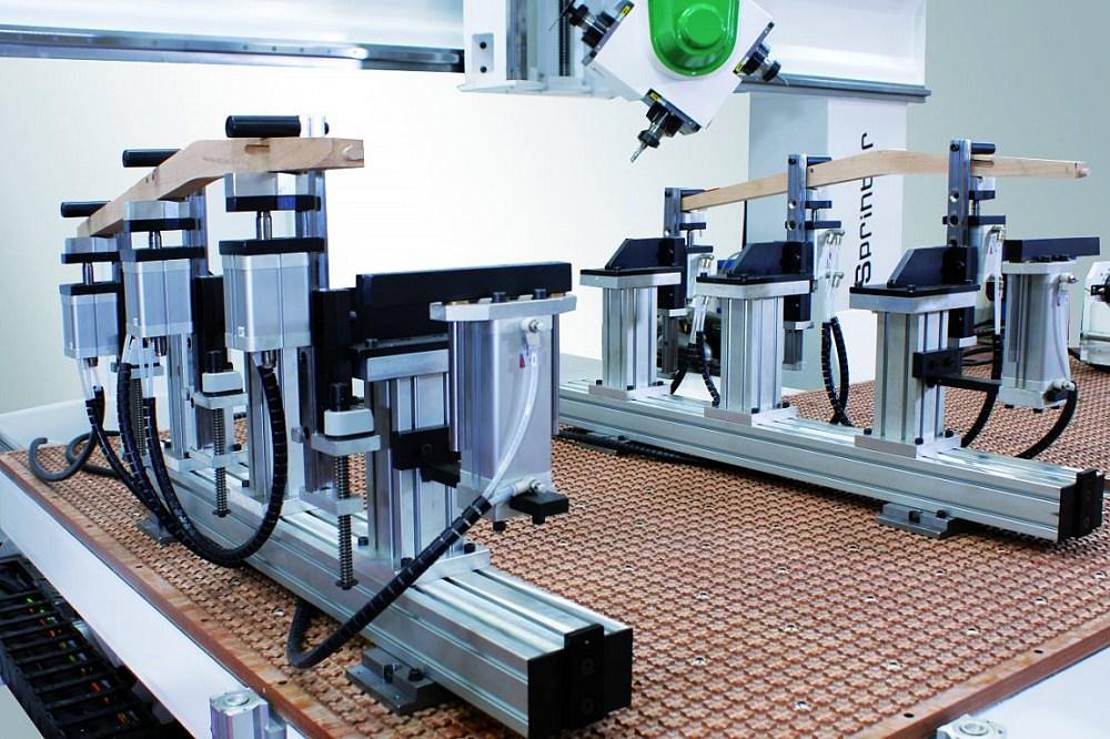 cnc lavorazione legno alluminio plastica Tavole mobili supportate da guide di scorrimento di grande sezione